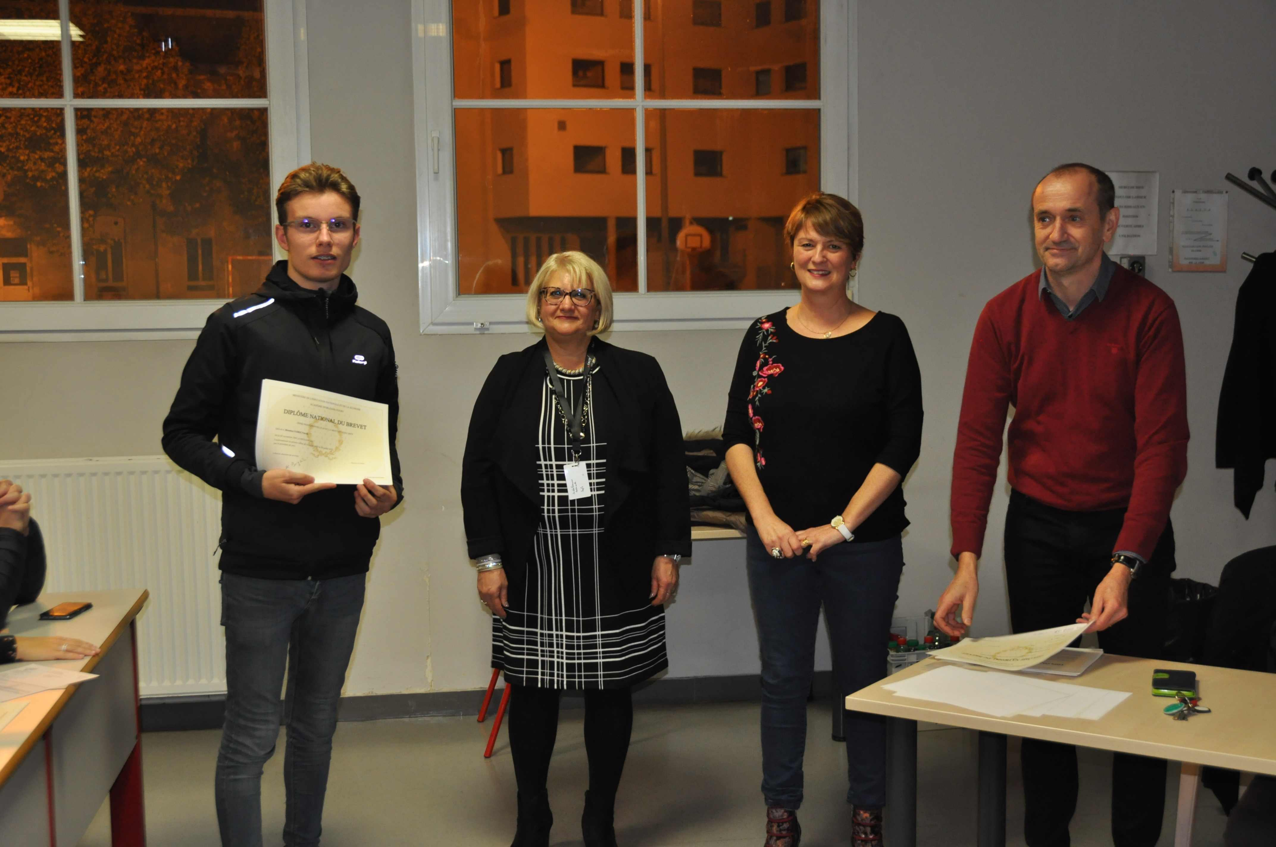 Remise Diplomes 3PP0011